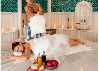 Refreshing & Relaxing massage at the traditional Turkish bath