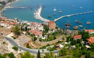 Side: Alanya sightseeing city tour with free time at Alanya Bazaar